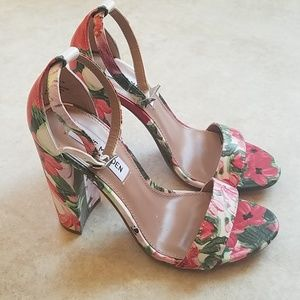 Steve Madden Carrson Floral Block Heel Sandal NWOT
